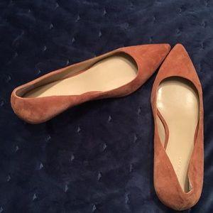 Ann Taylor suede kitten heel shoes